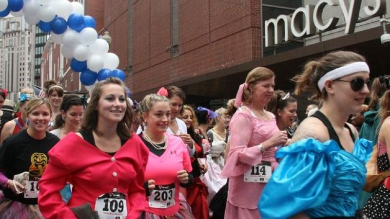 "Boston.com's ""Running With The Bridesmaids"" (Downtown Crossing)"
