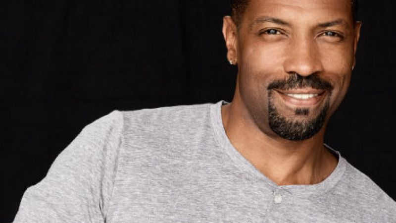 Deon Cole at The Wilbur Theatre