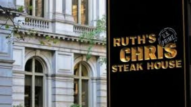 """A Valentine Only We Could Deliver"" at Ruth's Chris"