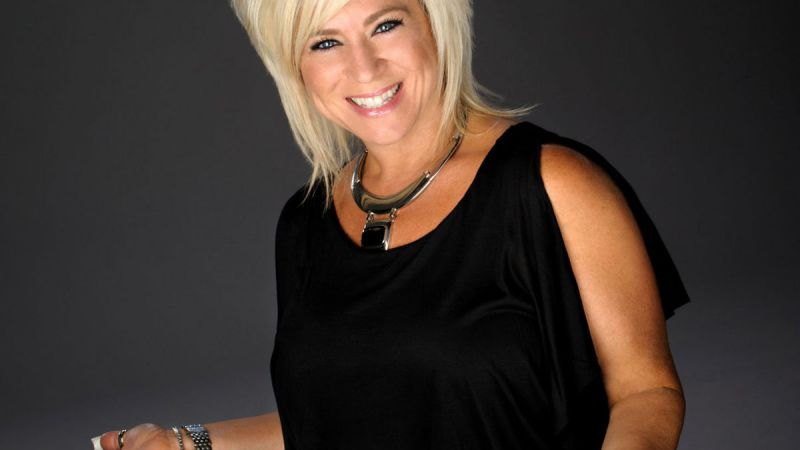 Theresa Caputo Live! At the Wang Theatre